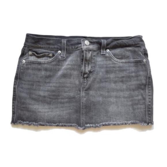 Black mini skirts size 28 Levi S Skirts Levis Black Denim Mini Skirt Size 28 Poshmark